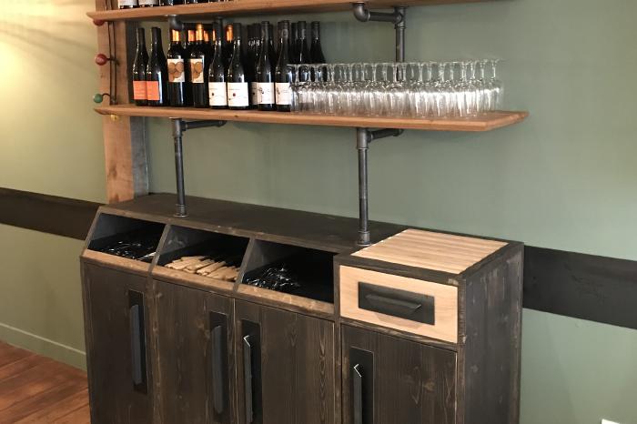 Console et étagères originale en bois pour un restaurant JPBriand