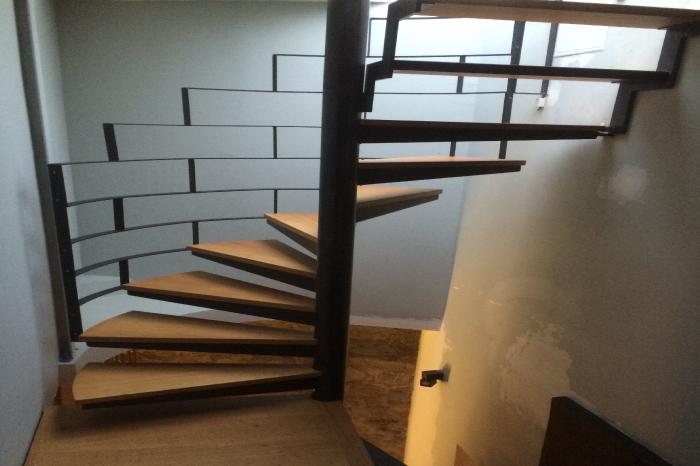 Escalier colimaçon Bois et Métal JPBriand